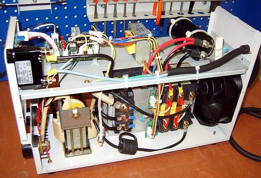 Внутренности инвертора Asea 250 на фото
