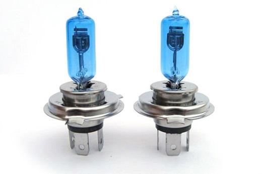 Автомобильные галогеновые лампы на снимке