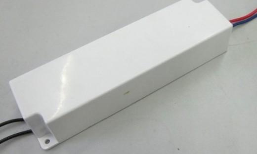 Диммируемый блок для светодиодной ленты на картинке