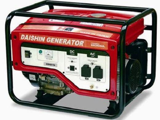 На фото бензиновый генератор электрического тока  для частного дома
