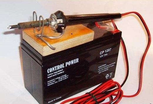 Тиристорный регулятор температуры для паяльника на снимке