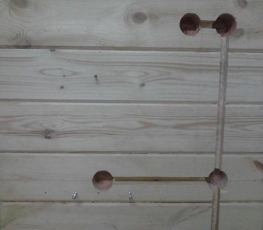 Еще один вариант устройства скрытой проводки в деревянном доме