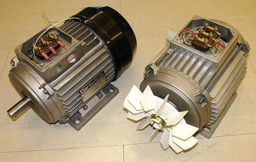 Трехфазные асинхронные двигатели на снимке