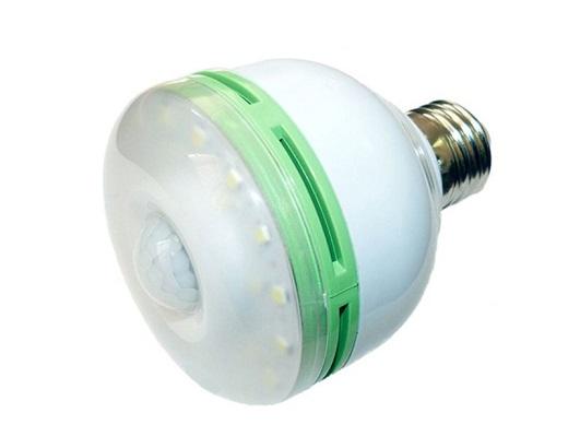Светодиодная лампа с датчиком движения и датчиком света на фото