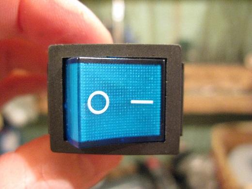 На фото еще пример выключателя с подсветкой