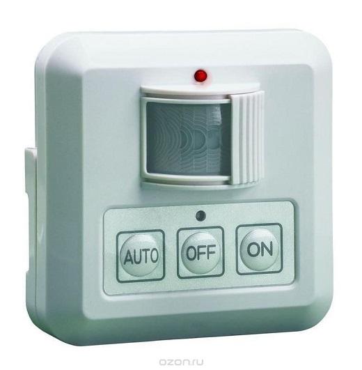 Автоматический выключатель с датчиком движения на фотографии